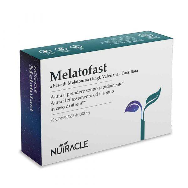 Nutracle, a base di Melatonina, Valeriana, Passiflora e Arancio Amaro. Utile per favorire il rilassamento e l'insorgere del sonno